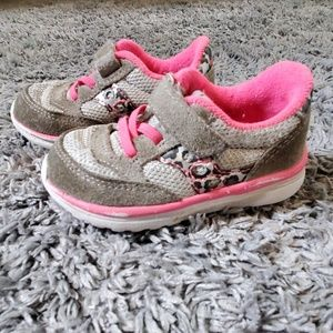 Size 5 toddler Saucony sneakers shoes